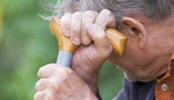 Αδιαφορία για ηλικιωμένους, συνταξιούχους και επαγγελματίες