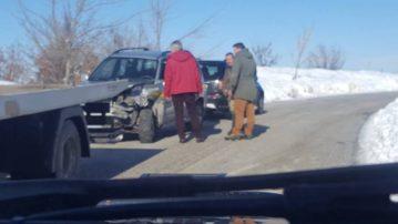 Τροχαίο μεταξύ αντιδημάρχου και ΙΧ αυτοκινήτου. Μεταφέρθηκαν στο νοσοκομείο και οι δύο οδηγοί