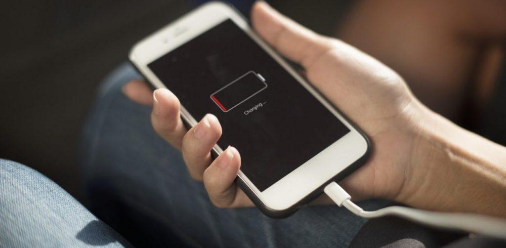 Κινητά τηλέφωνα: Μπαταρίες τέλος – Έρχεται καινούργιος τρόπος φόρτισης των συσκευών