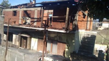 Γρεβενά: Πυρκαγιά κατέστρεψε ολοσχερώς οικία στον οικισμό των Αγαλαίων