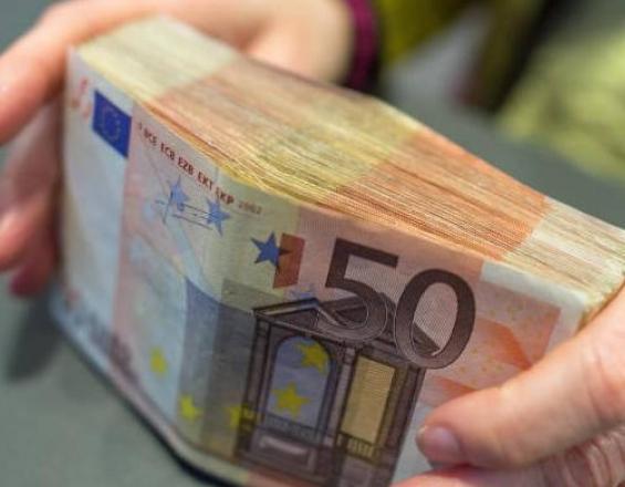 Αναδρομικά: Ποιοι και πότε θα λάβουν έως 7.338 ευρώ