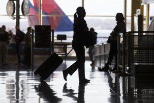 Ταξιδεύετε με αεροπλάνο; – Τι αλλάζει στους ελέγχους διαβατηρίων