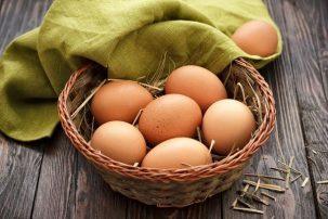 ΕΦΕΤ: Τι πρέπει να προσέχουν οι καταναλωτές όταν αγοράζουν αυγά