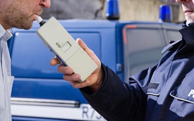 Χιλιάδες οι κλήσεις από την τροχαία για οδήγηση υπό επήρεια αλκοόλ
