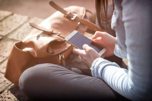 Αλλαγές στις χρεώσεις κινητών: Πόσο θα κοστίζουν κλήσεις και sms