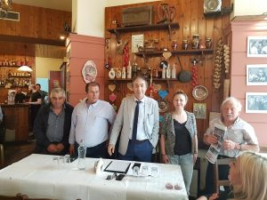 Τύρναβος:Σε μια μεγάλη και ενθουσιώδη συγκέντρωση μίλησε το μεσημέρι της Κυριακής σε Γρεβενιώτες της Θεσσαλίας ο υπ.Δήμαρχος Γιάννης Παπαδόπουλος