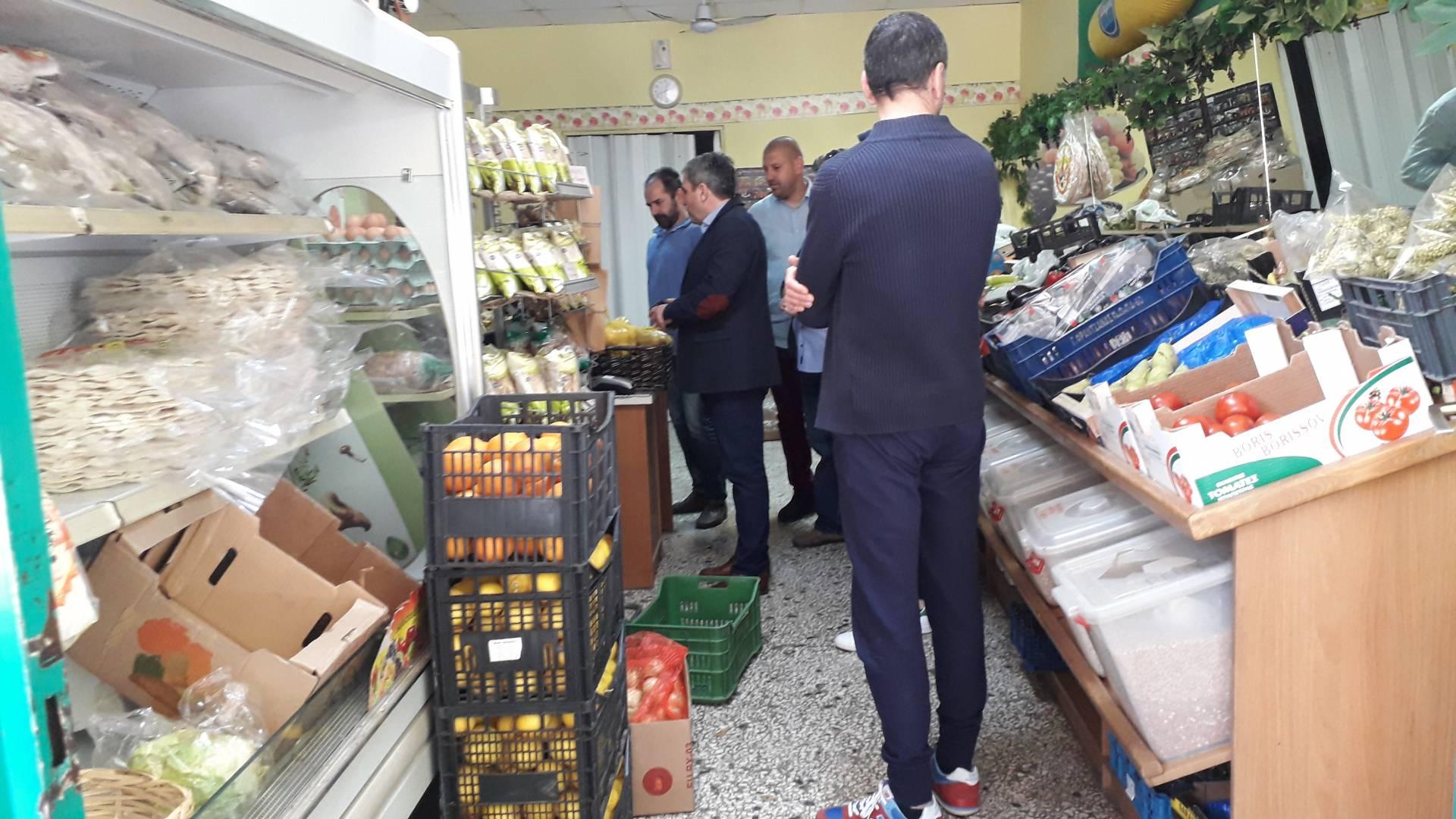 Επίσκεψη του Κώστα Παλάσκα στην αγορά των Γρεβενών