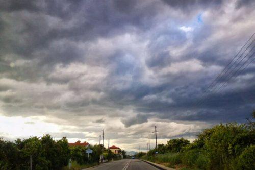 Έρχονται καταιγίδες και πτώση της θερμοκρασίας στις εκλογές