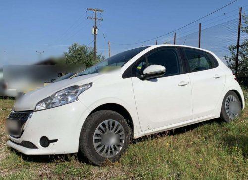 Συνελήφθη 25χρονος διακινητής σε περιοχή της Καστοριάς, ο οποίος μετέφερε με Ι.Χ.Ε. αυτοκίνητο, παράτυπους μετανάστες