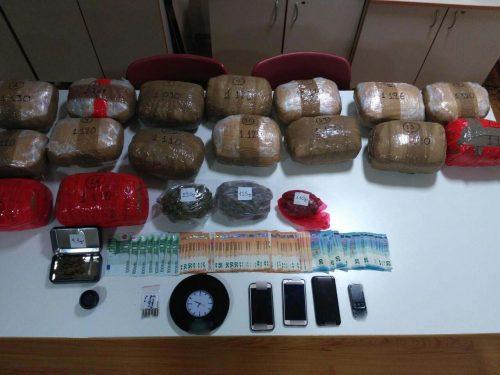 Συνελήφθη από αστυνομικούς του Τμήματος Ασφάλειας Κοζάνης 36χρονος ημεδαπός, για διακίνηση μεγάλης ποσότητας ναρκωτικών
