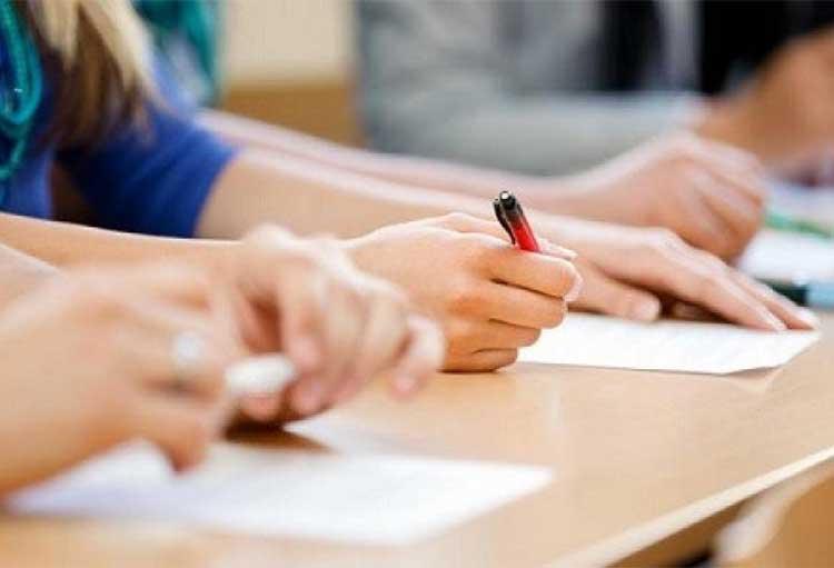 Αγωνία μαθητών και γονιών για τις Πανελλήνιες – Πότε θα γίνουν, τι σχεδιάζει το υπ. Παιδείας