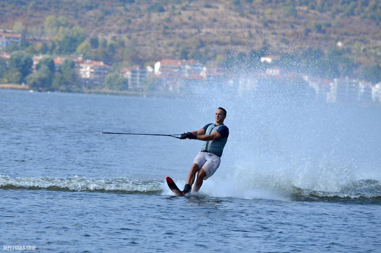 Θαλάσσιο σκι στην λίμνη της Καστοριάς και πιθανοί κίνδυνοι από την δραστηριότητα αυτή