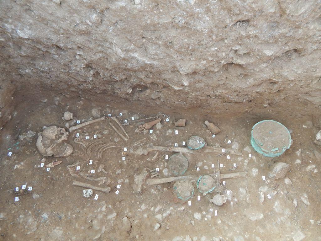 Φλώρινα: Πάνω από 200 ταφές αποκαλύφθηκαν στην ανασκαφή της Αχλάδας