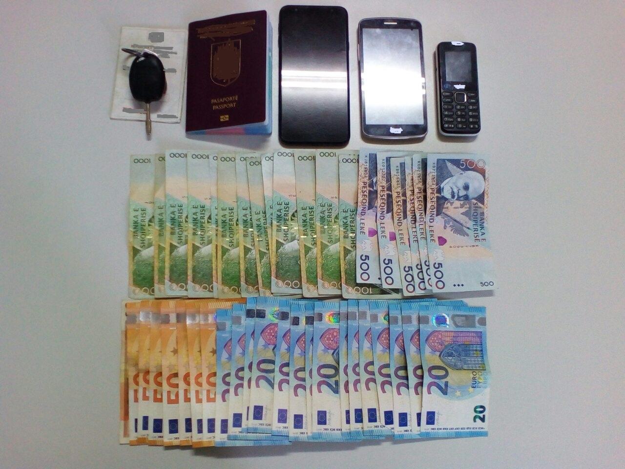 Σύλληψη δύο αλλοδαπών στην Κρυσταλλοπηγή Φλώρινας για μεταφορά δύο μη νόμιμων αλλοδαπών