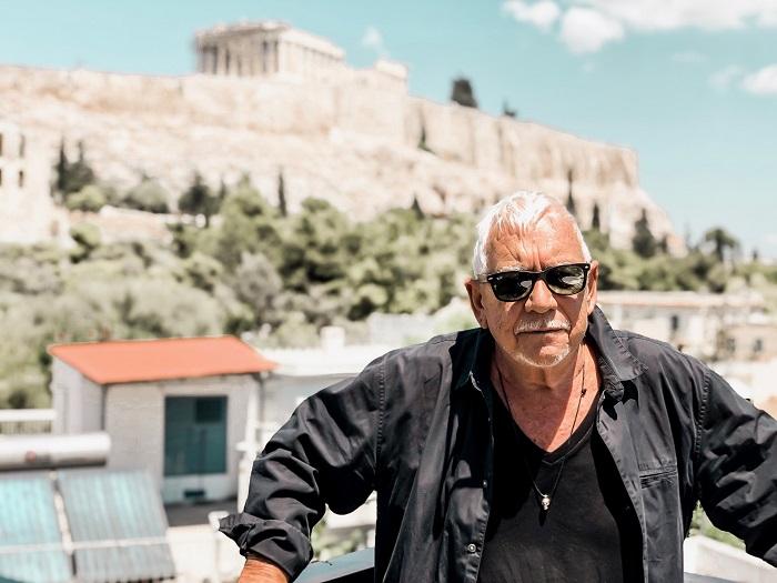 To μήνυμα του Eric Burdon για τη συναυλία στο Ηρώδειο: Δέος, θα αγγίξω τα ιερά εδάφη