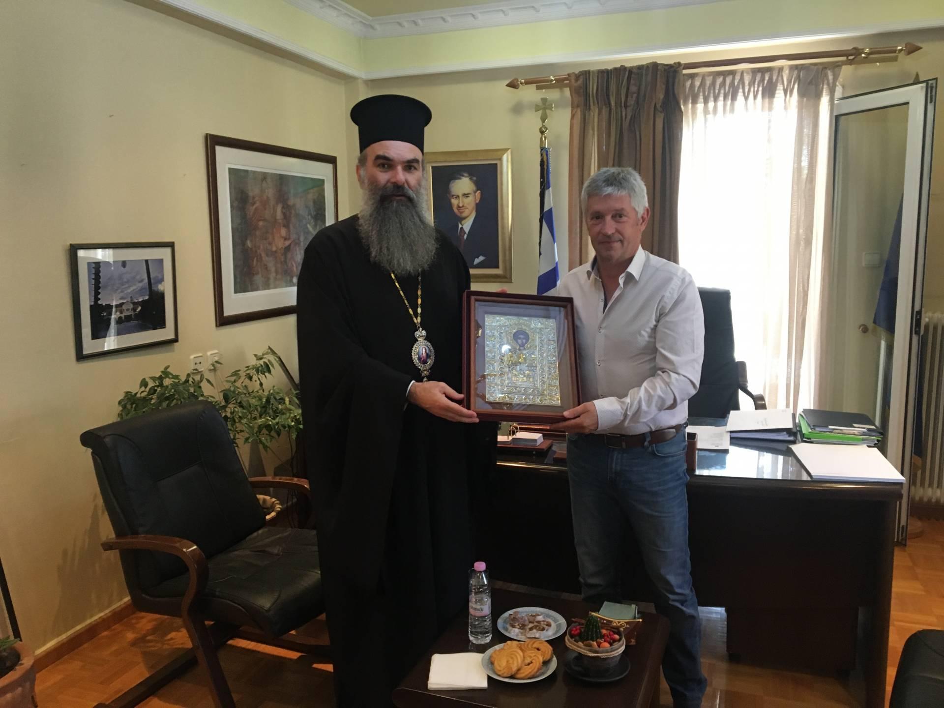 Συνάντηση του Δημάρχου Δεσκάτης κ.Κορδίλα Δημήτρη με το Σεβασμιότατο Μητροπολίτη Ελασσόνας κ.Χαρίτωνα