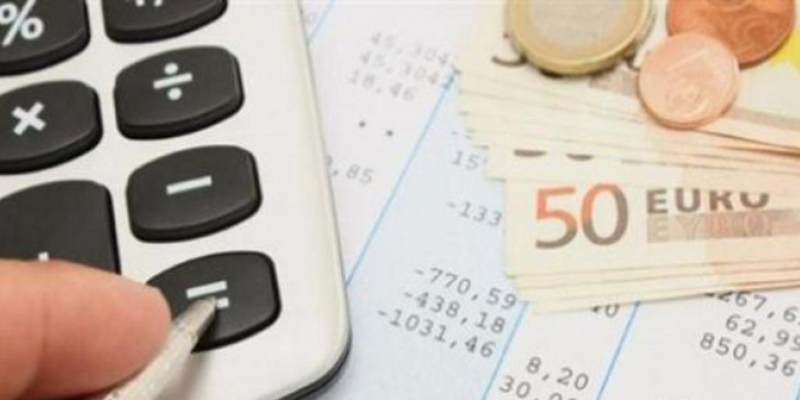 Μειώνεται η φορολόγηση των ελεύθερων επαγγελματιών -Τι αλλάζει από το νέο έτος