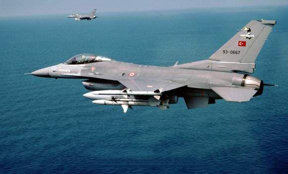 Συνεχίζουν τις προκλήσεις οι Τούρκοι:F-16 πέταξαν πάνω από Οινούσσες και Παναγιά