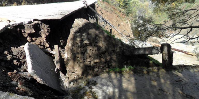 Ιωάννινα: Κατολισθήσεις και καταπτώσεις βράχων από την κακοκαιρία -Κινδύνεψε 80χρονος