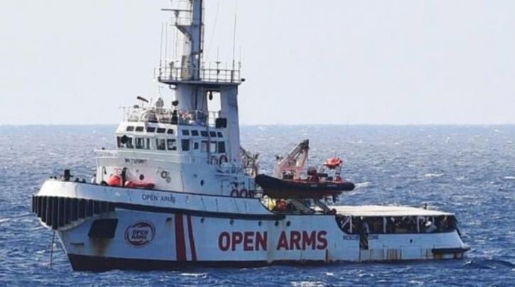 Λέσβος:Κάτοικοι εμπόδισαν το πλοίο OPEN ARMS να δέσει στο λιμάνι