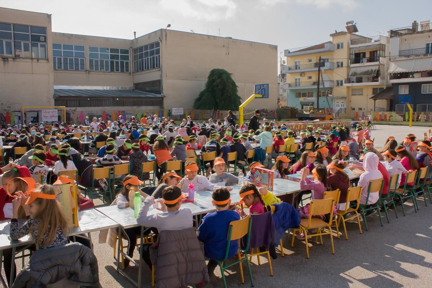 Μαθητές δημοτικού από τη Δράμα στα Ρεκόρ Γκίνες για τον μεγαλύτερο «Γκρινιάρη»