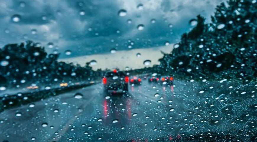 Χρήσιμοι κανόνες οδήγησης κατά τη διάρκεια της βροχής