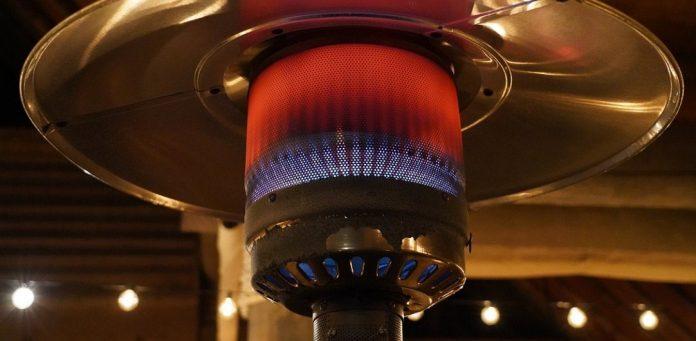 Κικίλιας:Θα επιδοτήσουμε θερμάστρες για να καπνίζει ο κόσμος έξω