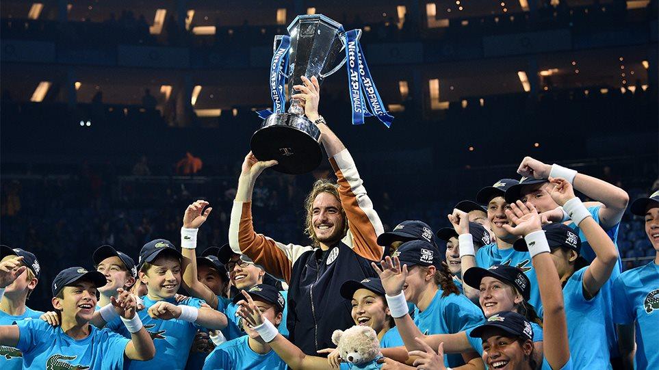 Στέφανος Τσιτσιπάς:Ο νέος βασιλιάς του τένις είναι Έλληνας – Θρίαμβος και στα ATP Finals