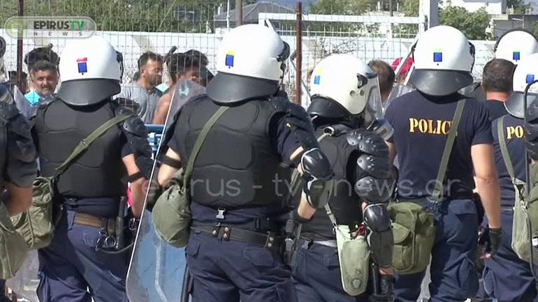Αγρια συμπλοκή μεταναστών στο hotspot του Κατσικά στα Ιωάννινα-Τέσσερα άτομα στο νοσοκομείο