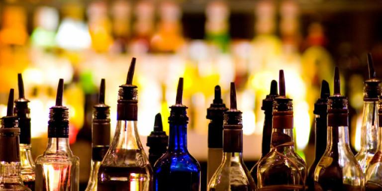 Κρασί, μπίρα ή ουίσκι: Ποιο σας απειλεί περισσότερο με καρκίνο;