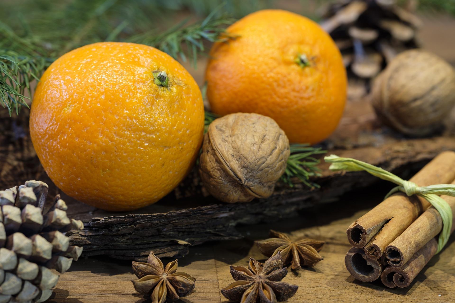 Παραδοσιακή βασιλόπιτα από τα βουνά της Πίνδου, με κανέλα και πορτοκάλι