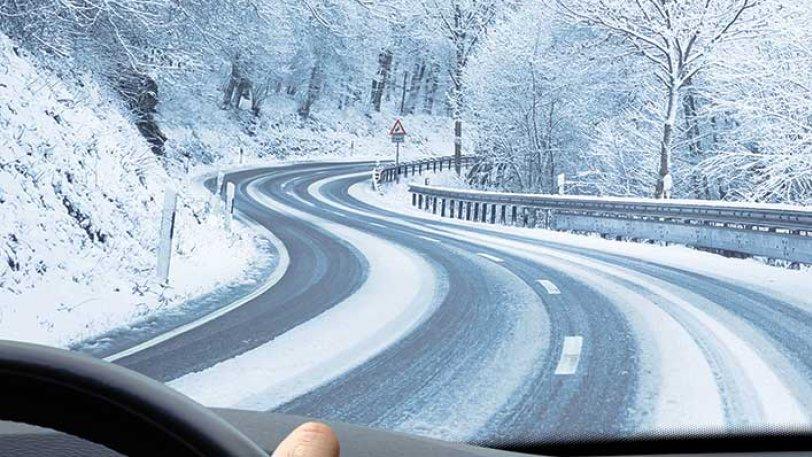 Οδήγηση στο χιόνι:Τι πρέπει να προσέχουμε -Τι ελέγχουμε στο αυτοκίνητο πριν ξεκινήσουμε