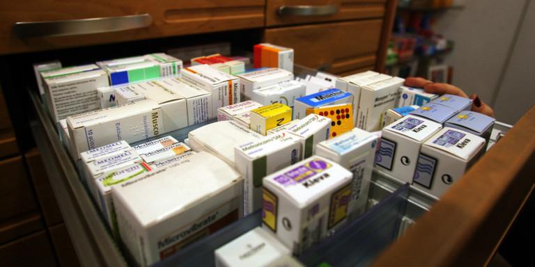 Αυστηρές ποινές σε φαρμακοποιούς που χορηγούν φάρμακα χωρίς ιατρική συνταγή
