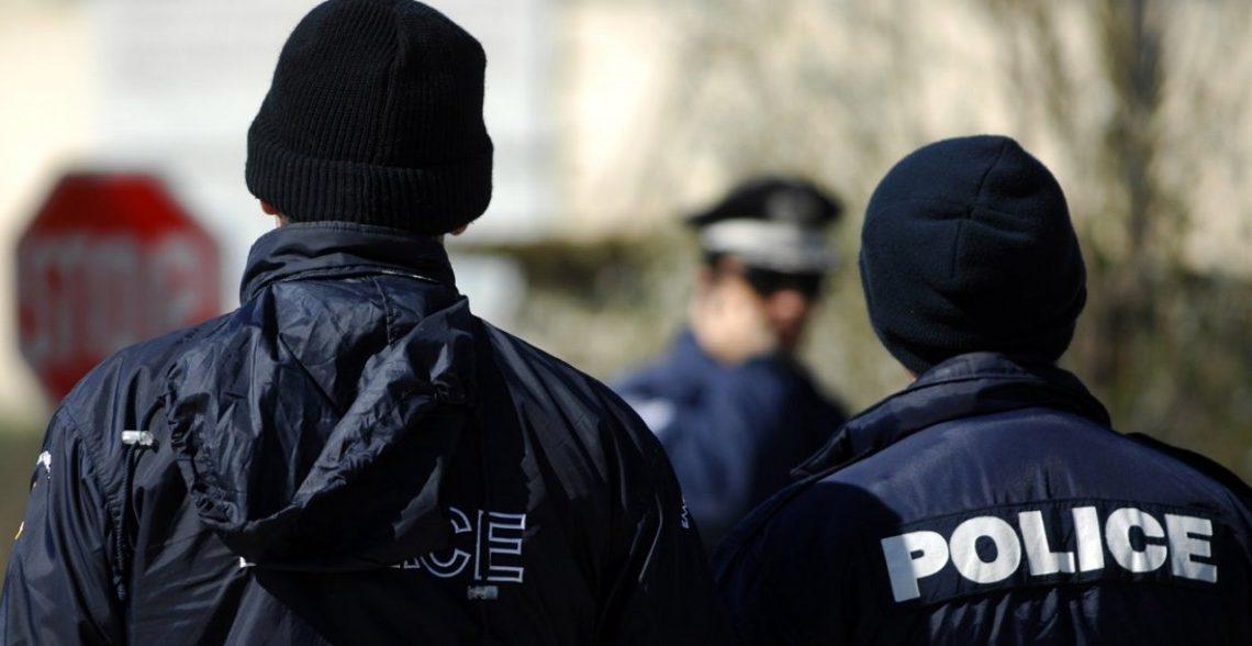 Έξι αστυνομικοί σε κύκλωμα έκδοσης πλαστών εγγράφων σε κακοποιούς