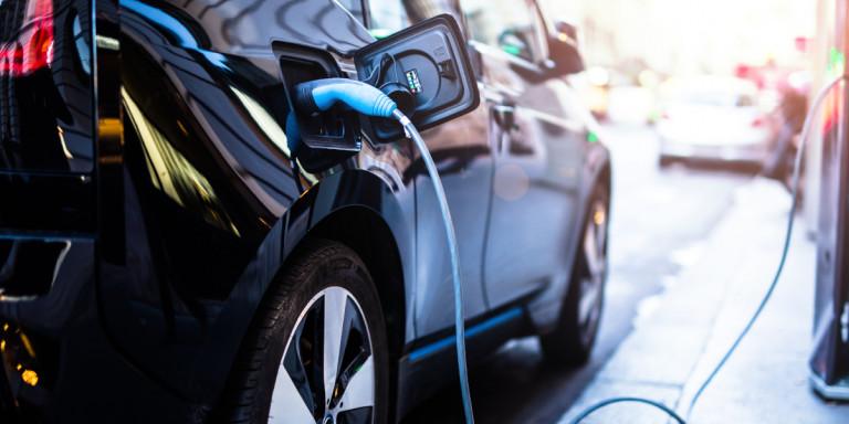 Ηλεκτρικά αυτοκίνητα: Ποιο είναι το οικονομικό όφελος -Πόσο κοστίζει η φόρτιση