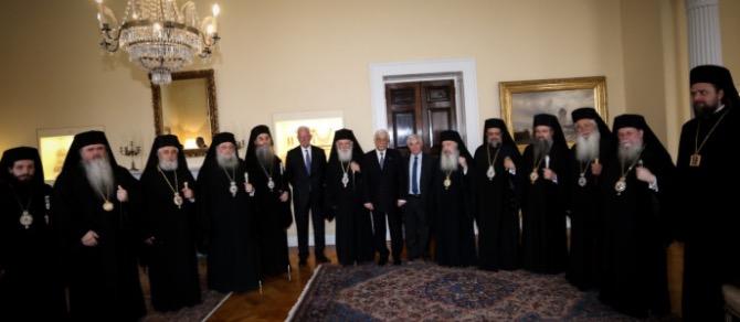 Η Εκκλησία ζητά να λάβουν το επίδομα των 800 ευρώ ιερείς και ψάλτες