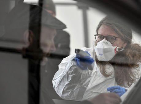 Κοροναϊός: Νέα αυστηρότερα μέτρα από σήμερα – Σε 418 αυξήθηκαν τα κρούσματα