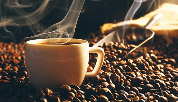 Viral: Γειτόνισσες στην Πτολεμαΐδα βρήκαν τρόπο να πίνουν μαζί το καφεδάκι τους παρά την καραντίνα