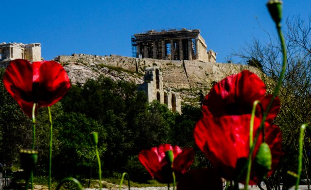 Συνεχίζονται οι έπαινοι από τον ξένο τύπο: «Κράτος – πρότυπο η Ελλάδα»