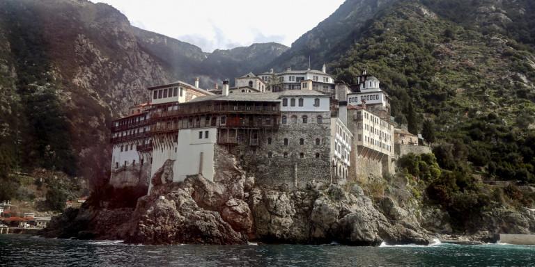 Παρατείνεται η αναστολή επισκέψεων στο Άγιο Όρος – Μέχρι τις 30 Απριλίου