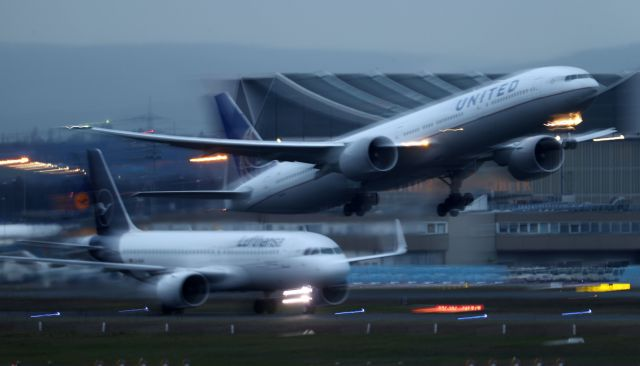 Lufthansa: Ξεκινάει πτήσεις προς τα ελληνικά νησιά