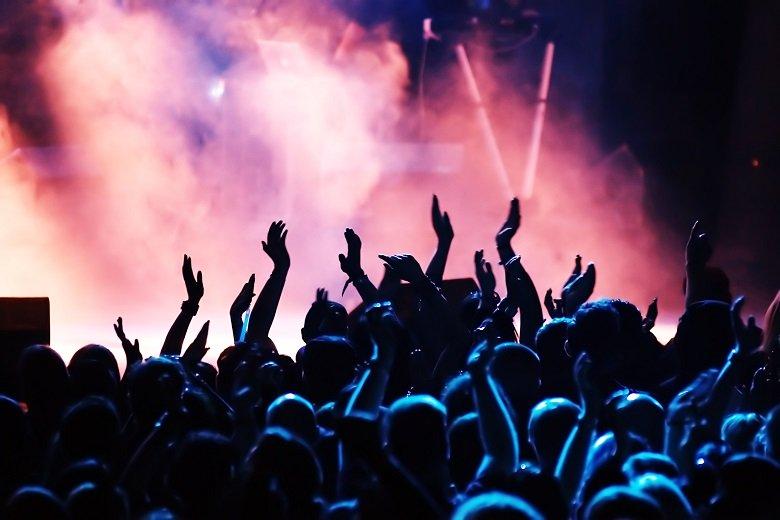 Έτσι θα γίνονται παραστάσεις και συναυλίες από τις 15 Ιουλίου σε ανοικτούς χώρους