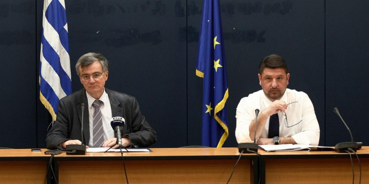 Με συγκίνηση αποχαιρέτησαν το τηλεοπτικό κοινό ο Σ.Τσιόδρας και ο Ν.Χαρδαλιάς