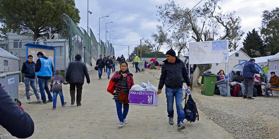 Υπ. Μετανάστευσης: Μείωση κόστους σε υπηρεσίες μεταφορών και στέγασης