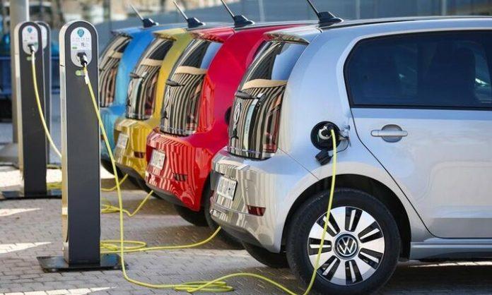 Πώς να αγοράσετε με επιδότηση ηλεκτρικά οχήματα