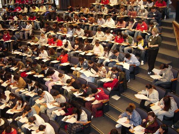 «Αιώνιοι» φοιτητές: Επανέρχεται η διαγραφή τους – Πότε και πώς