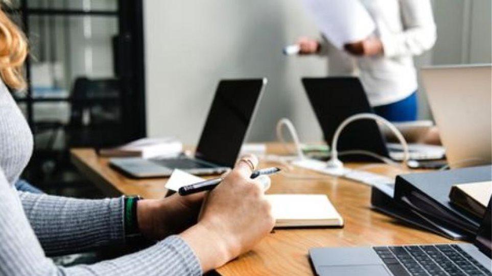 Ποιες επιχειρήσεις μπορούν να θέσουν εργαζόμενους σε αναστολή