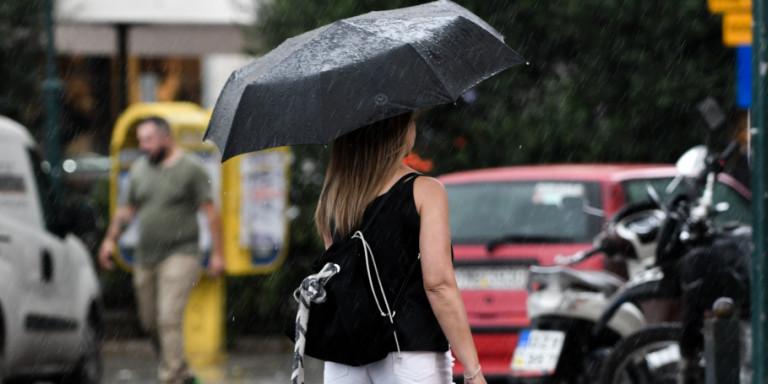 Αλλάζει το σκηνικό του καιρού: Πού αναμένονται βροχές, παραμένουν οι υψηλές θερμοκρασίες