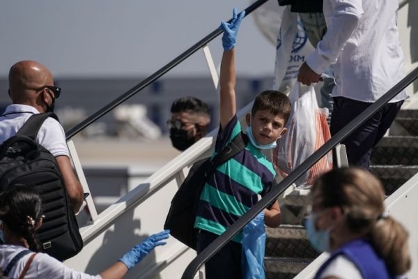 Προσφυγικό: Πρώτη αναχώρηση πτήσης με εθελούσιες επιστροφές