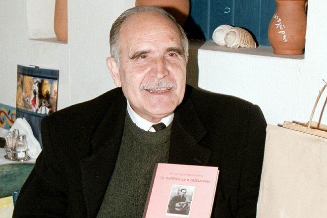 Έφυγε από τη ζωή ο σπουδαίος ποιητής Ντίνος Χριστιανόπουλος- Εχθρός των ανδριάντων και των βραβείων